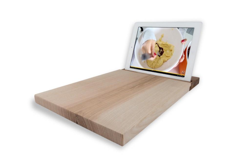 soporte-tablet-de-madera-de-nogal-con-tabla-de-cocina-de-madera-de-fresno